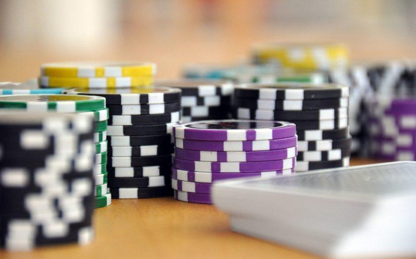 Aplicativo do 888poker: o seu tutor e companheiro no poker online